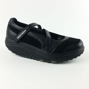 Skechers 7.5 Black Leather/Suede Shape-Ups S10-15